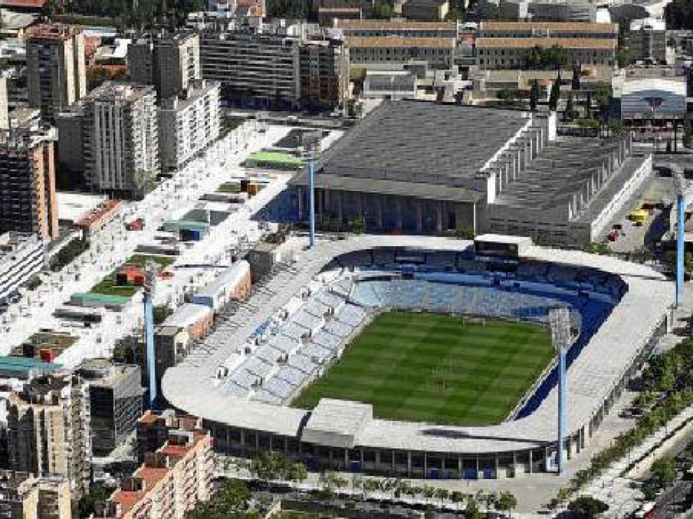 Vista aérea del estadio de La Romareda, cada vez más obsoleto y totalmente fuera de las normas de la UEFA y la FIFA para albergar grandes acontecimientos futbolísticos.