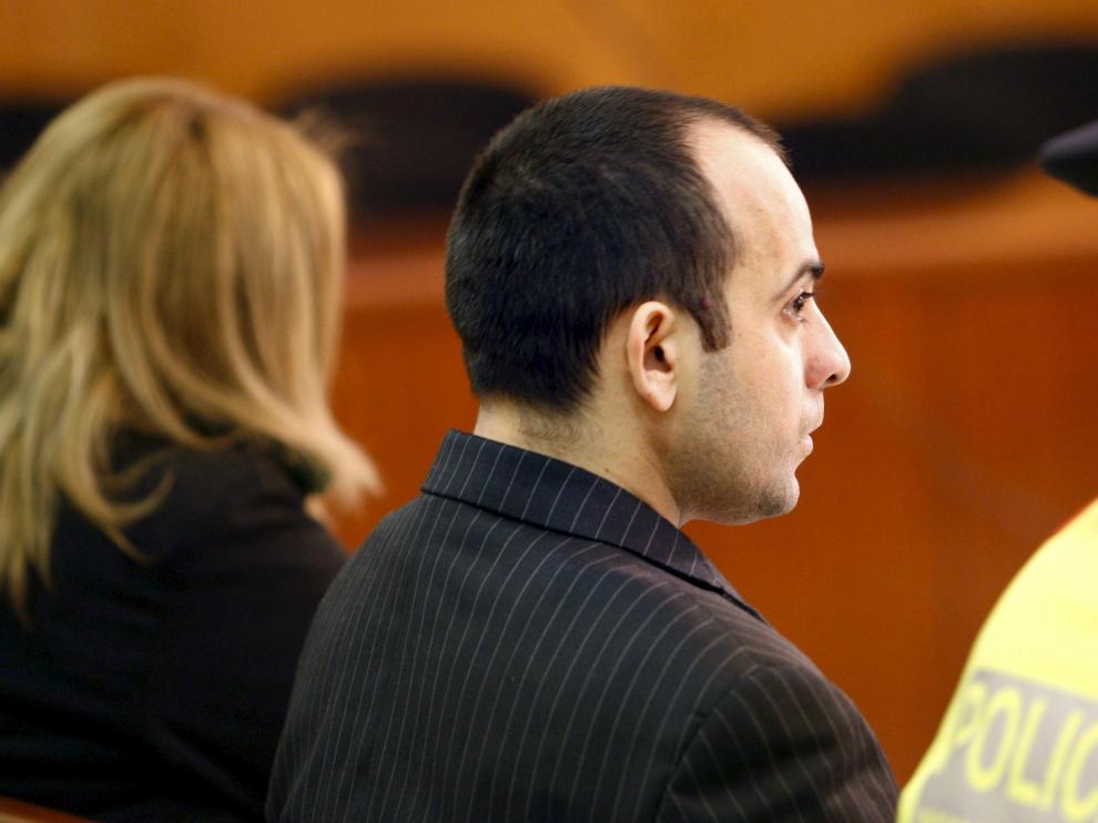 La madre y el padrastro de Alba durante el juicio