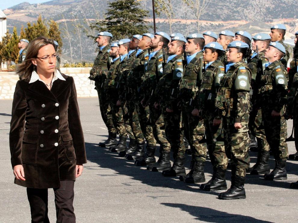La ministra de Defensa Carme Chacón de visita en el Líbano