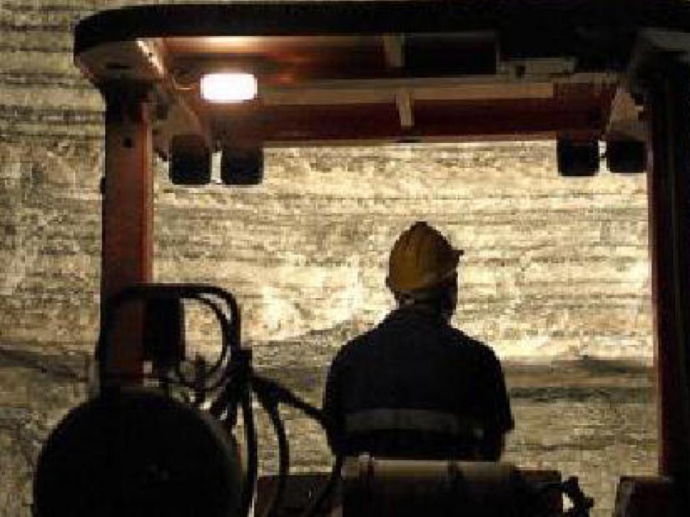 Interior de la mina de Ibérica de Sales en Remolinos.