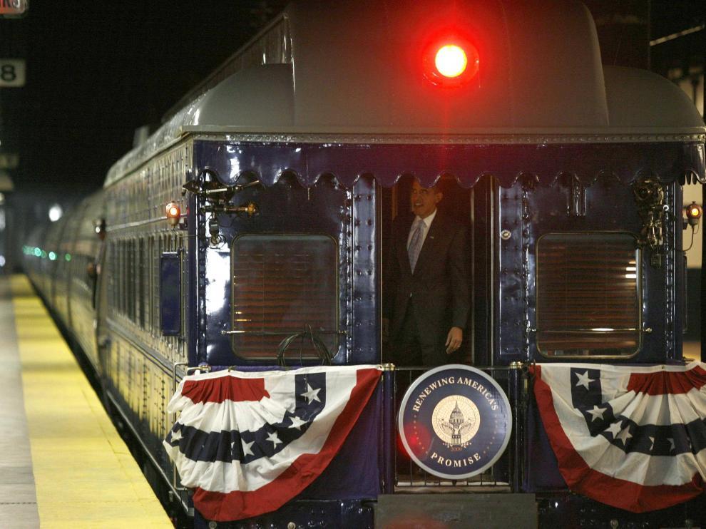 Obama en el tren que le llevó de Filadelfia hasta Washington