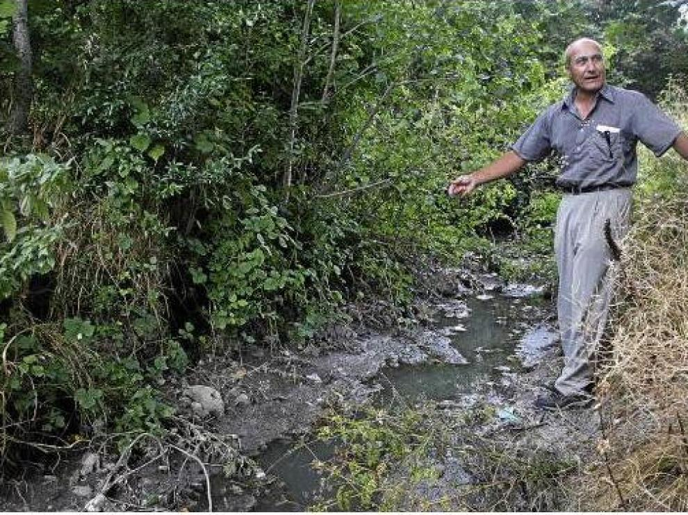 La falta de depuración causa problemas de contaminación fecal. En la imagen, Villanúa.