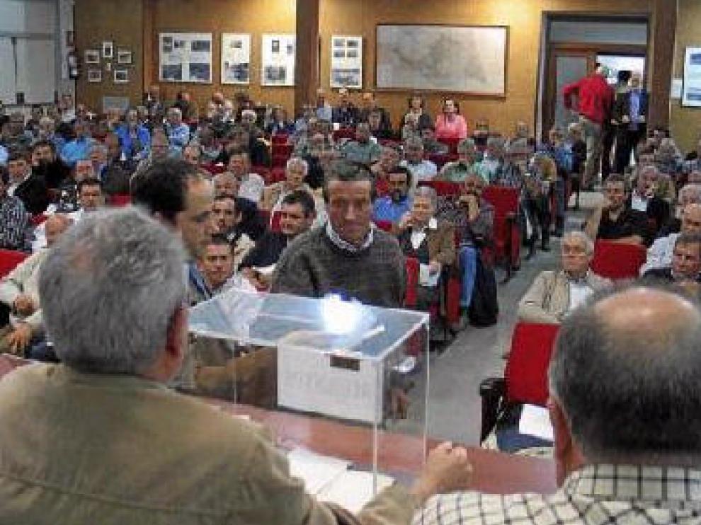 La asamblea recurrida -en la imagen- se celebró el 10 de mayo del año pasado