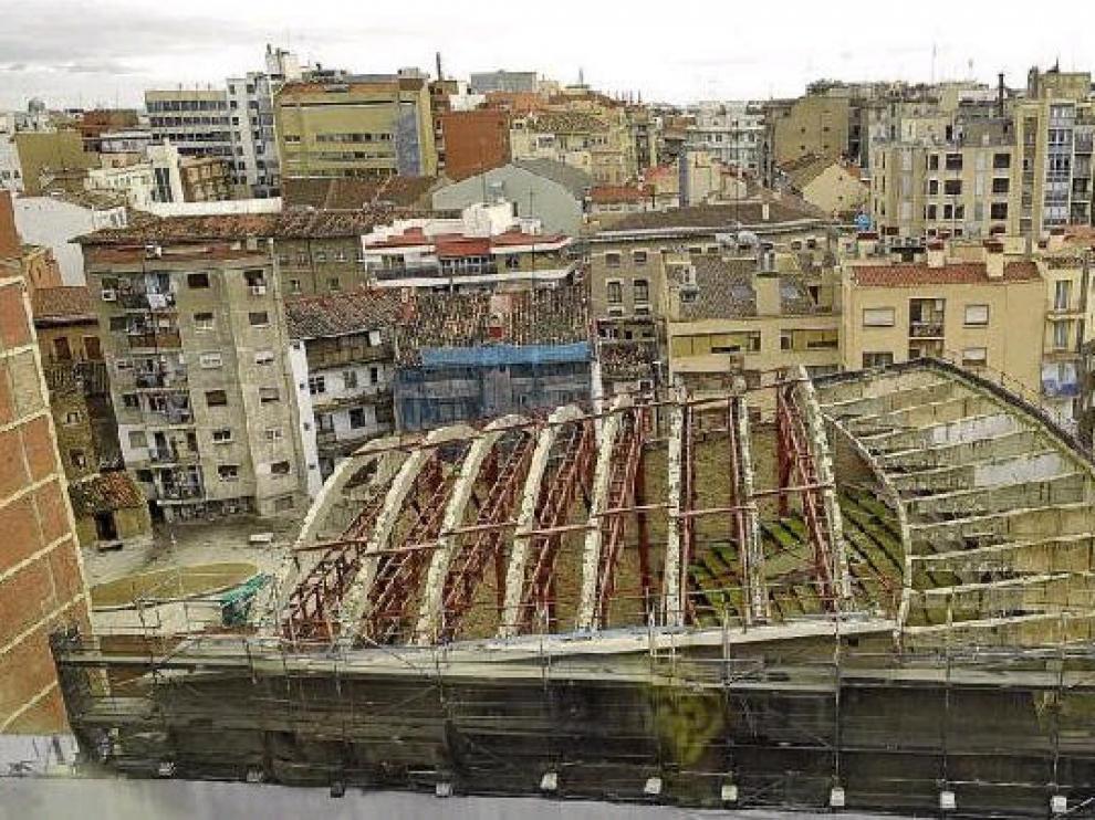 Los restos del Teatro Fleta, en una imagen tomada ayer
