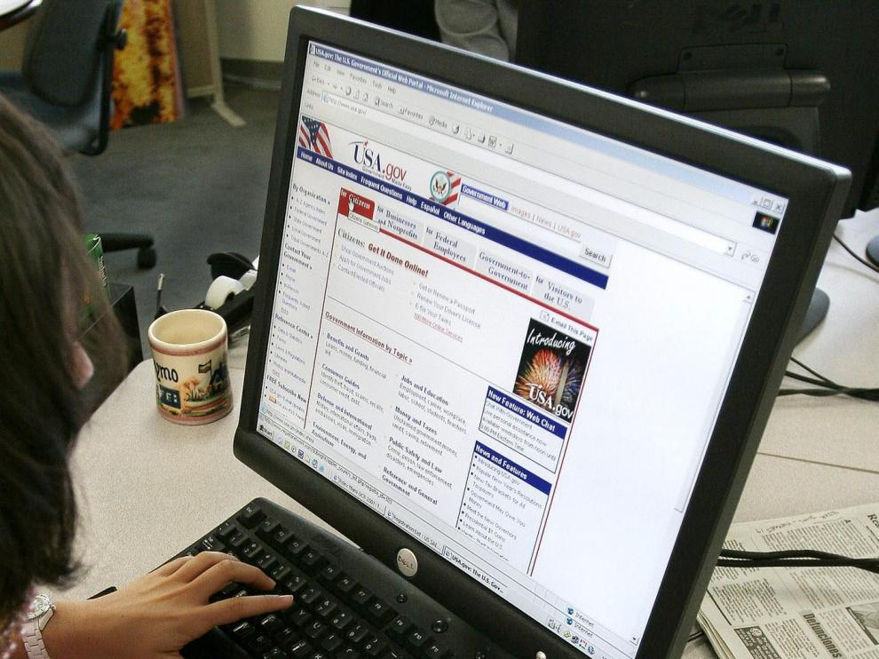 """Un 4,2% de jóvenes necesita atención clínica por su """"enganche"""" a Internet"""