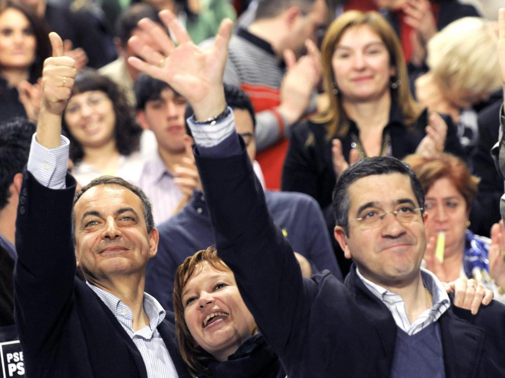 Zapatero y Leire Pajín mostraron su apoyo a López