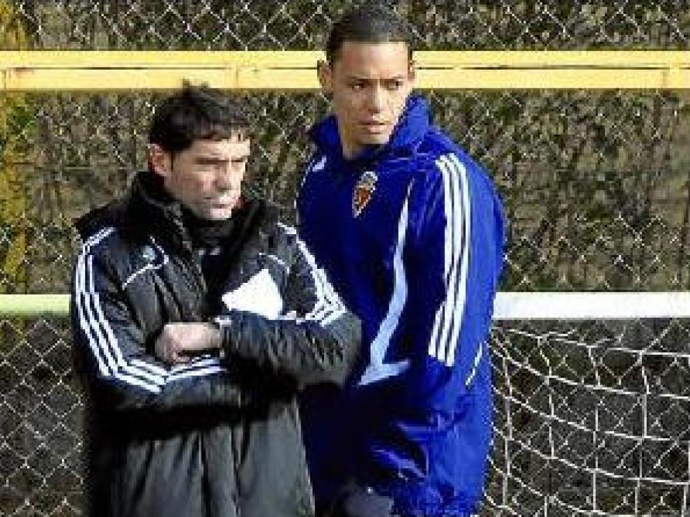 Ricardo Oliveira, ayer en la Ciudad Deportiva detrás de Marcelino.