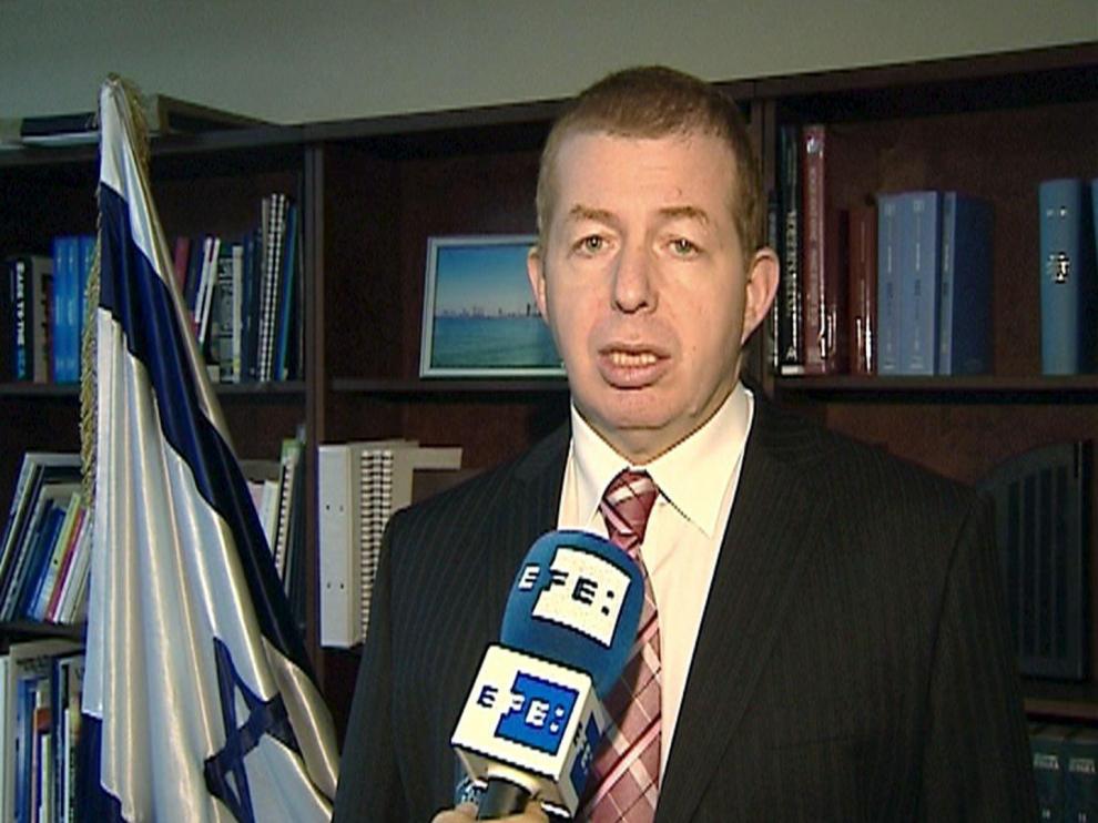 El embajador israelí, Raphael Schutz