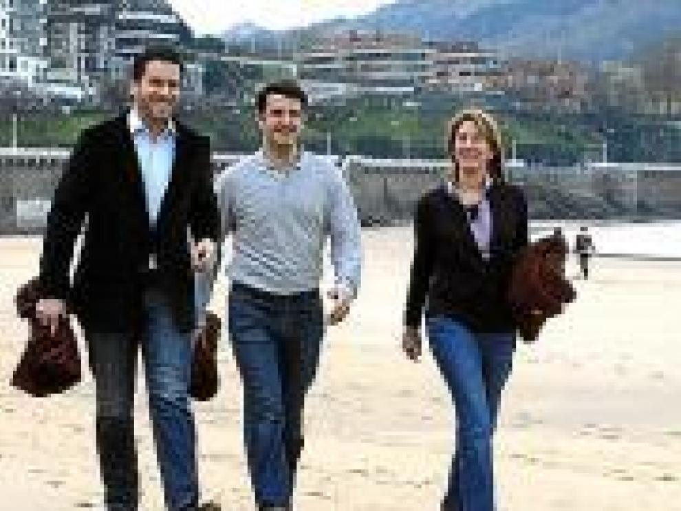 Zapatero critica que Ibarretxe ya no hable del referéndum y sí de la crisis