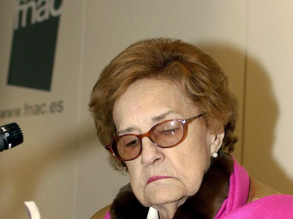 Muere en Gijón la escritora Corín Tellado