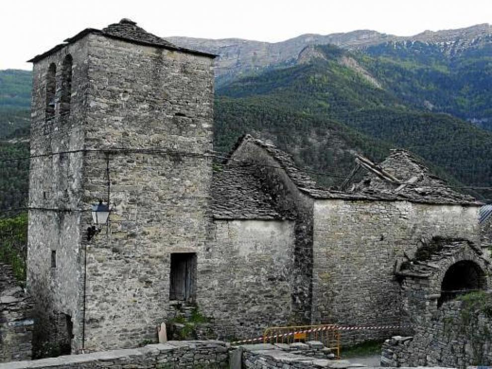 La cubierta de la iglesia de Lardiés, del siglo XVIII, se ha hundido por completo.