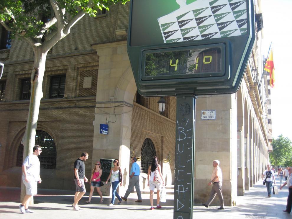 Las temperaturas superaban los cuarenta grados en el paseo de la Independencia