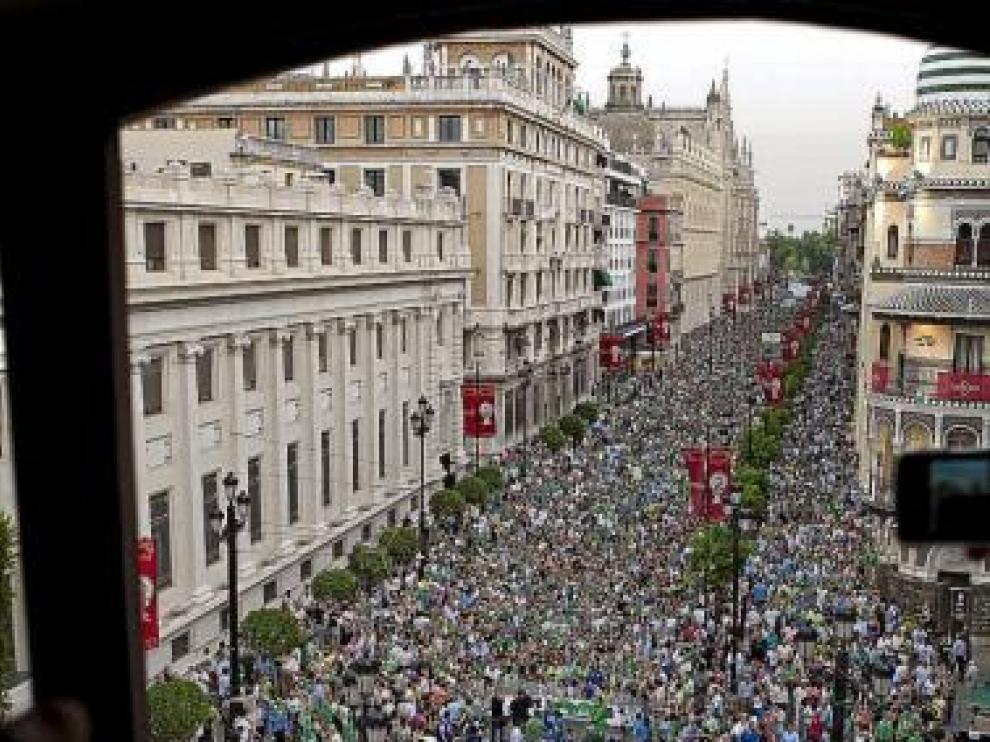 Imagen de la manifestación verdiblanca contra Ruiz de Lopera.
