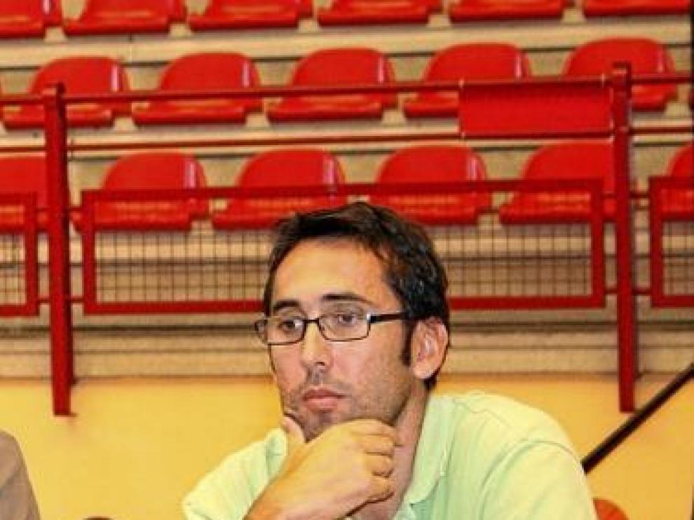 Villar, durante la presentación de un jugador en Inca.