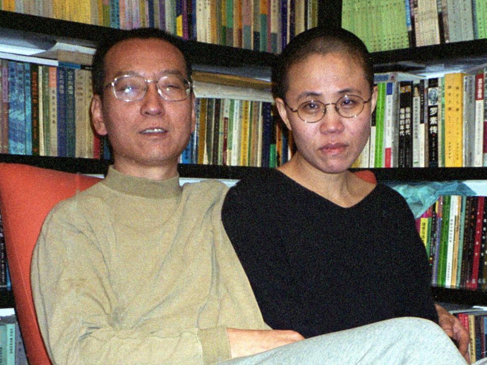 El fallecido escritor chino, Liu Xiaobo, junto a su mujer.