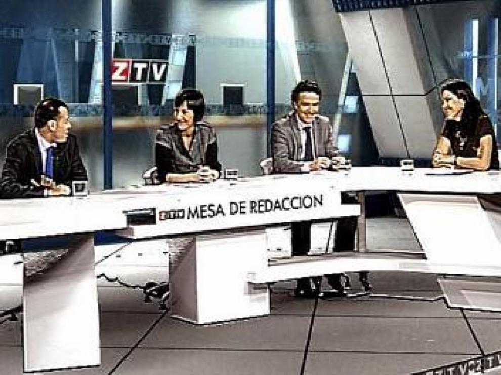 Victoria Martínez presenta la mesa de tertulia de ZTV.