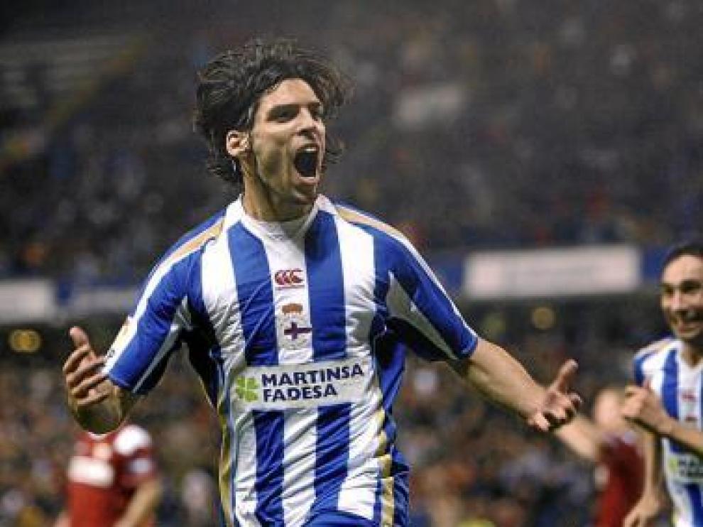 Lafita celebra un gol con el Deportivo.