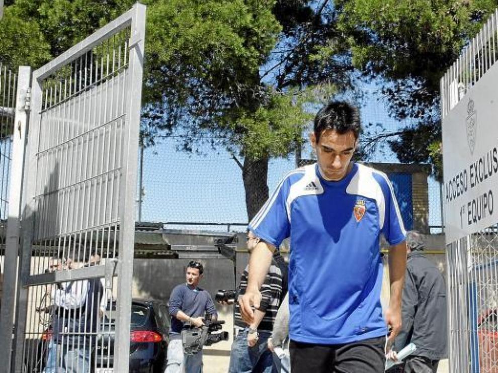 Vicente Pascual abandona la Ciudad Deportiva.