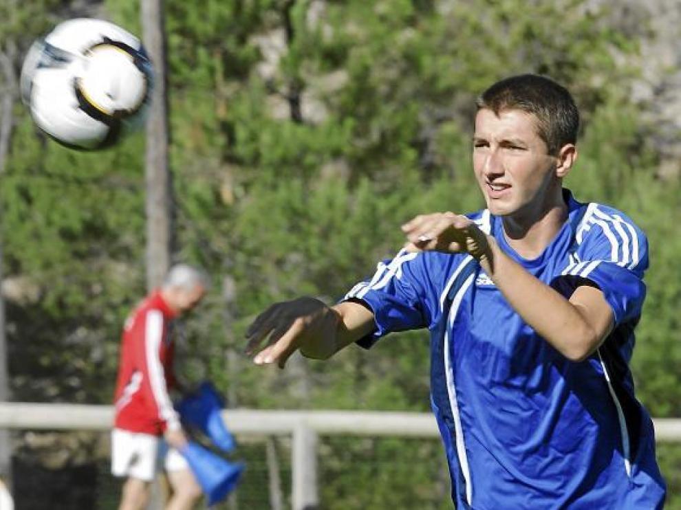 El joven Kevin Lacruz durante un entrenamiento en Navaleno.