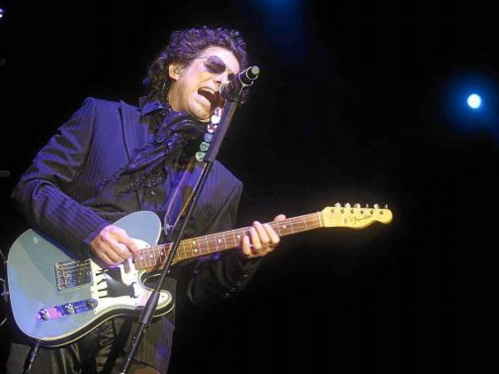 Andrés Calamaro será uno de los artistas que actuarán en el MIL Festival.