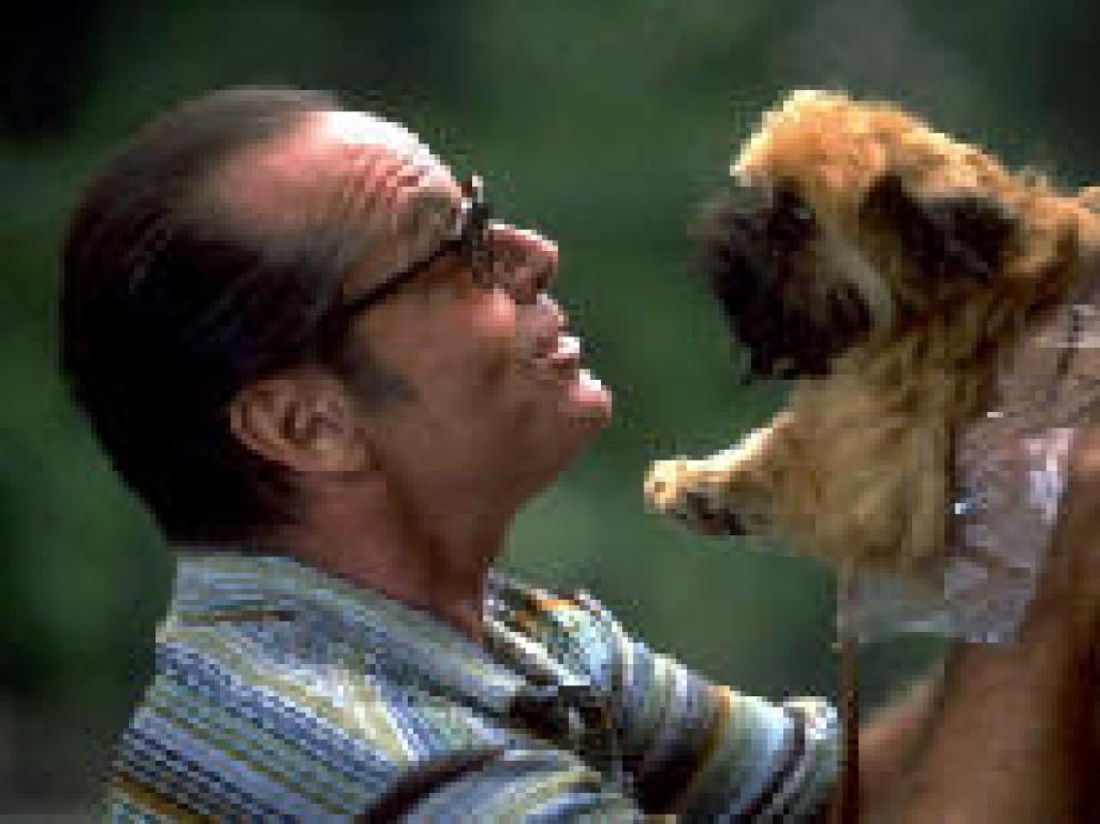El actor Jack Nicholson durante su interpretación de un maniático en la película 'Mejor imposible'