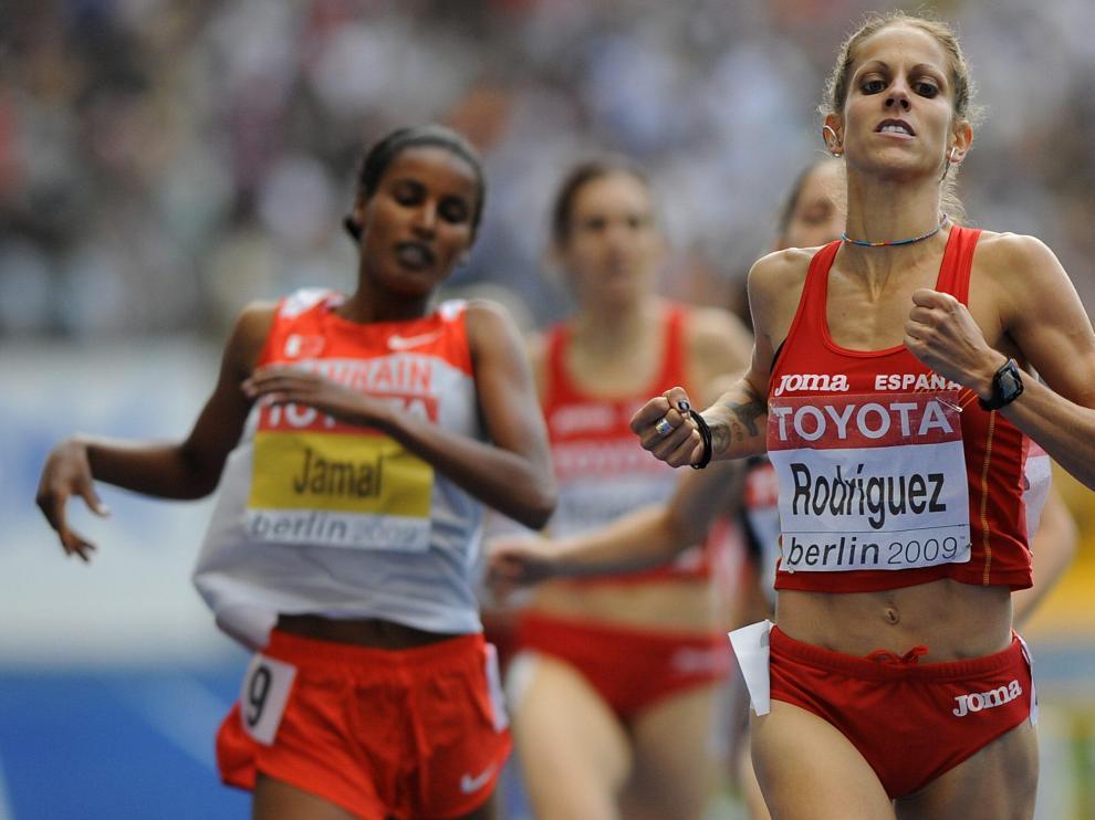 Natalia Rodríguez, descalificada, se queda sin su polémico oro en 1.500