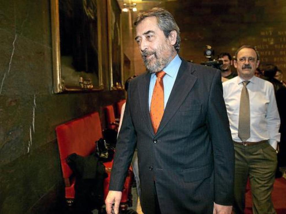 Belloch, seguido por Catalá, en una imagen del pasado mes de febrero.