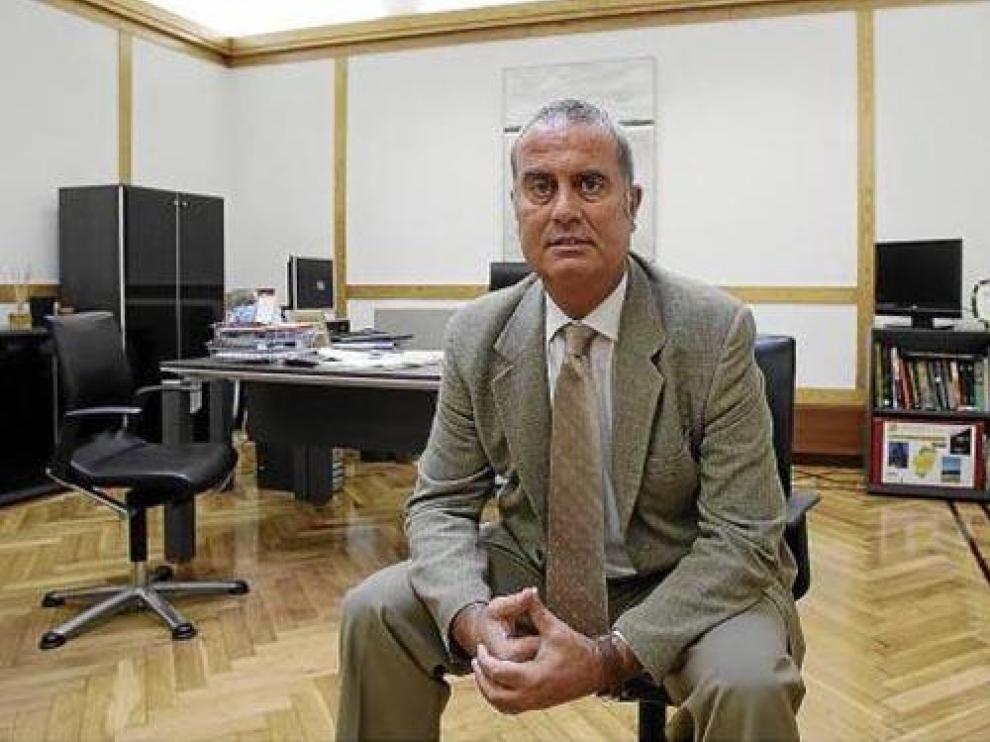 El director general de Gestión Forestal, Alberto Contreras, en su despacho del Pignatelli.