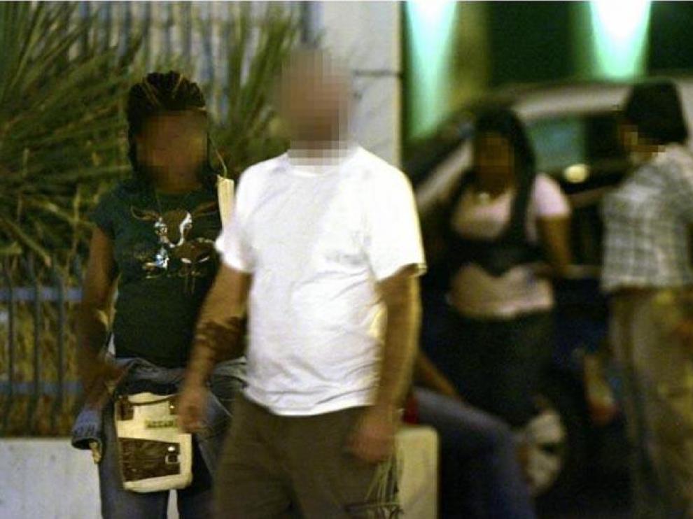 Prostitutas en el zaragozano Camino de las Torres.
