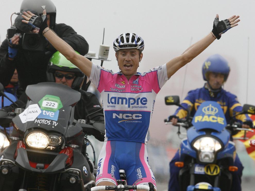Cunego celebra el triunfo