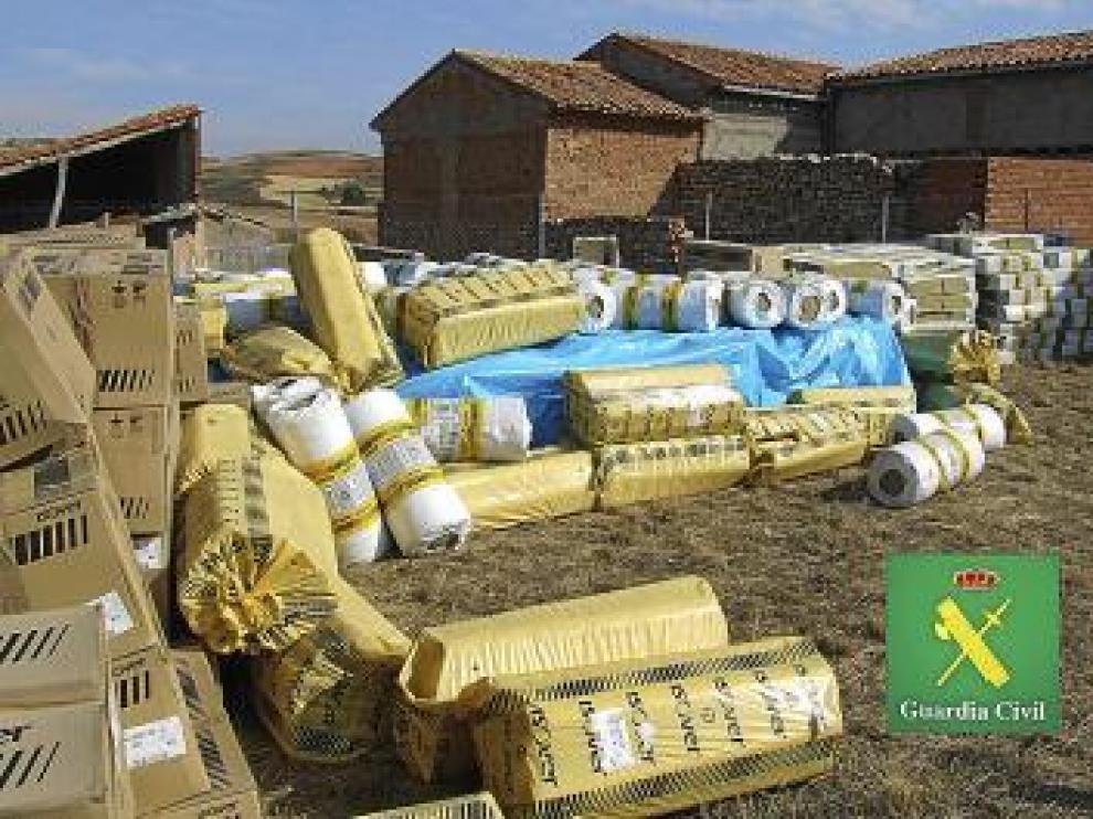 Material encontrado por la Guardia Civil en la finca de Teruel.