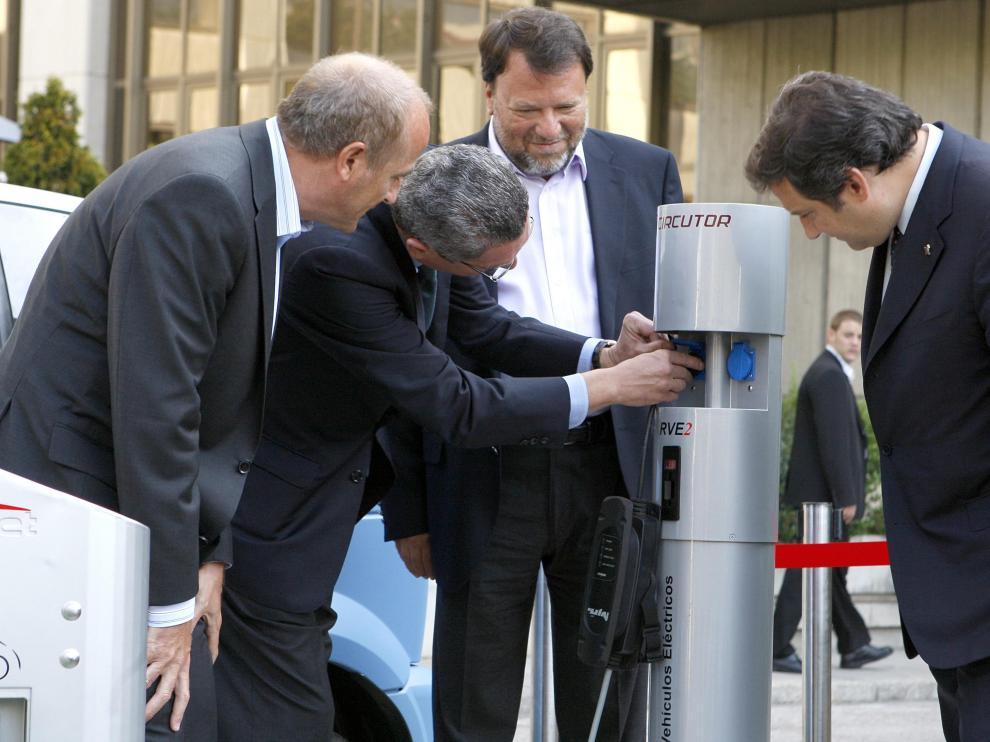 Aparcar el coche eléctrico será gratis en Madrid y Sevilla