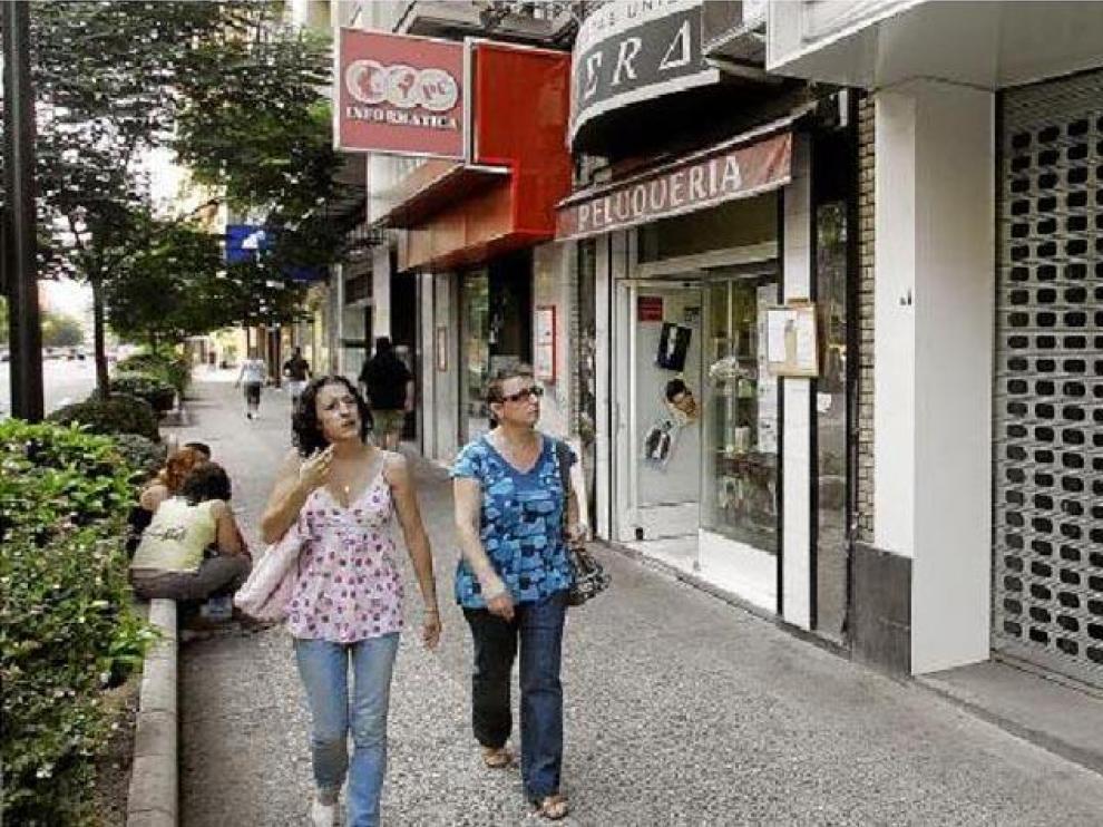 Cada vez es más frecuente ver locales vacíos, en alquiler o venta, en la capital