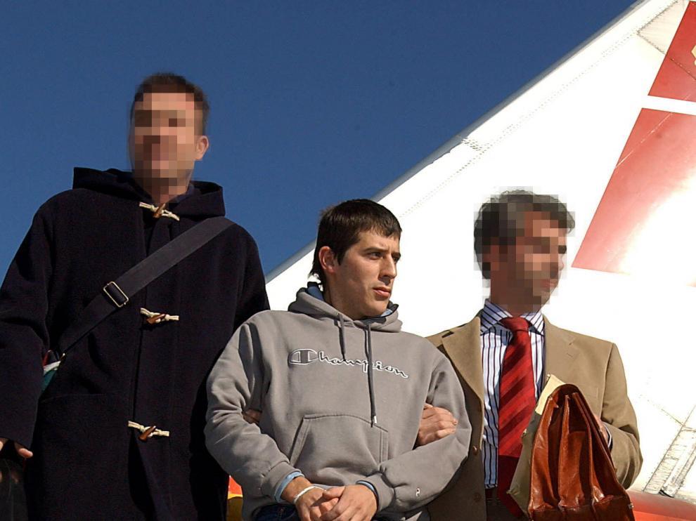 Franciaextradita aun miembro del comando de ETAresponsable del atentado de Sallent de Gállego