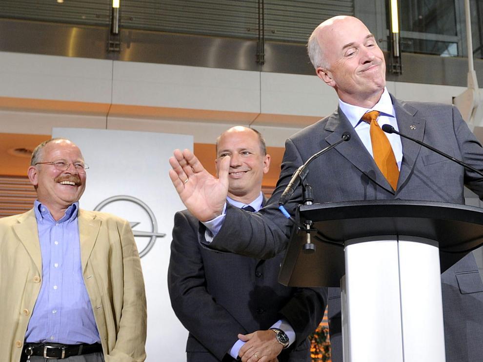 El presidente de GM Carl-Peter Forster (dcha.) y el líder sindical de Opel en Europa Klaus Franz (izda.)