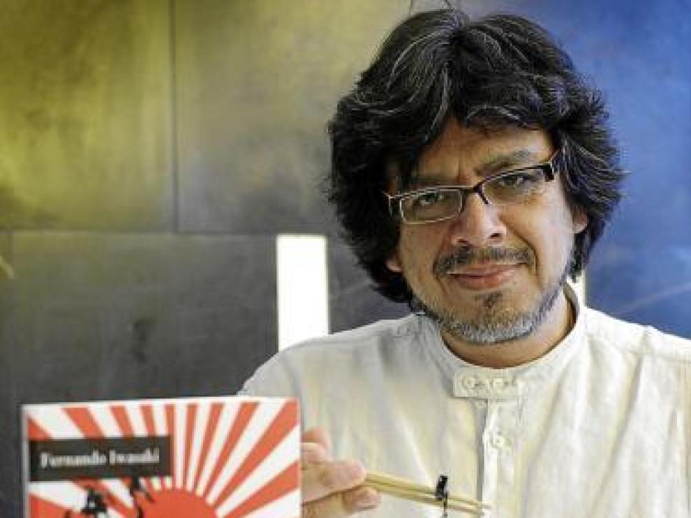 El escritor peruano, de origen japonés, Fernando Iwasaki.