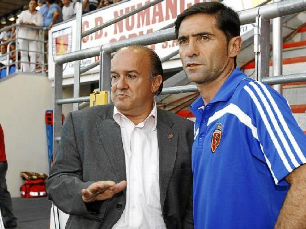 El presidente, Eduardo Bandrés, y el entrenador, Marcelino, charlan hace 20 días en Soria.
