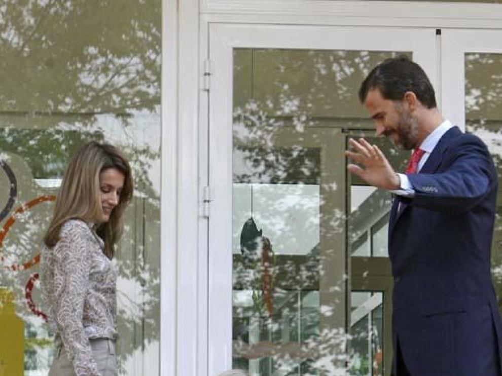 Los Príncipes acompañan a la infanta Sofía a la guardería