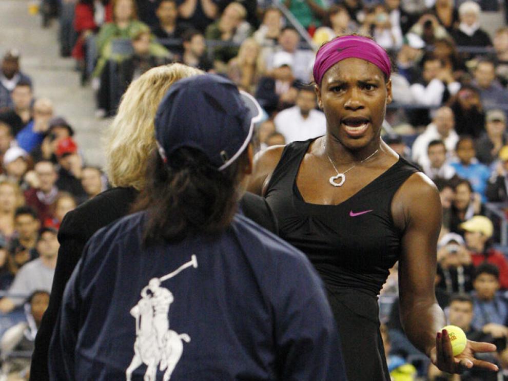 Williams, descalificada del US Open por amenazar de muerte a una juez