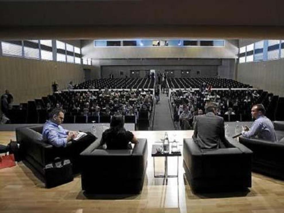 El auditorio del World Trade Center acogió las conferencias en Zaragoza