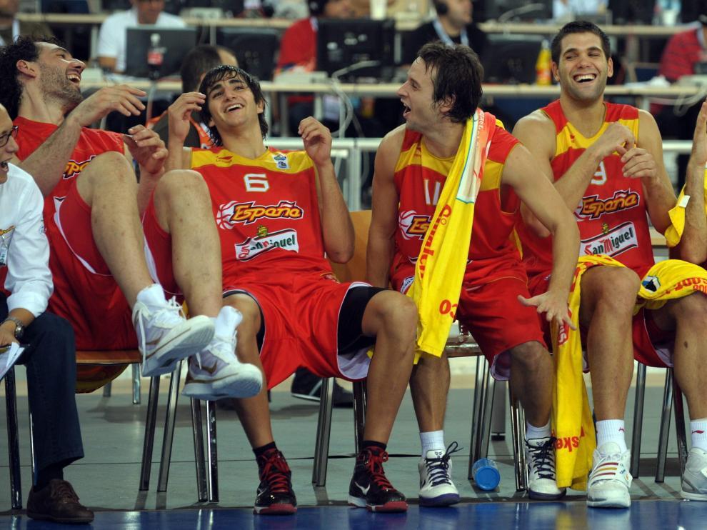 Los jugadores españoles celebran el pase a cuartos