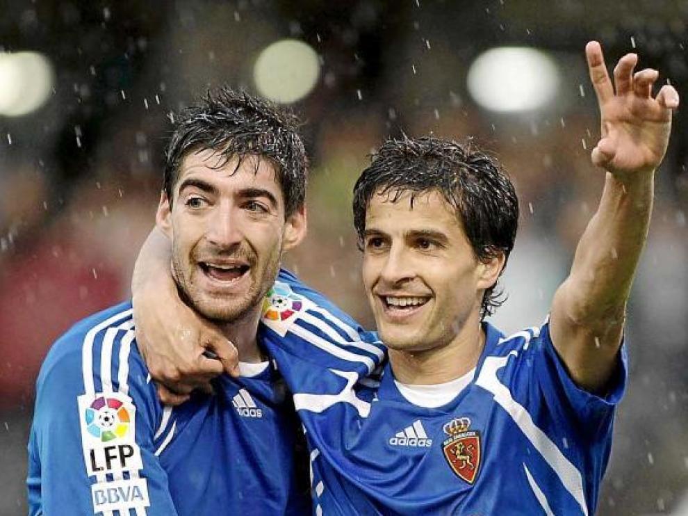 Arizmendi y Jorge López celebran uno de los goles de la temporada pasada.