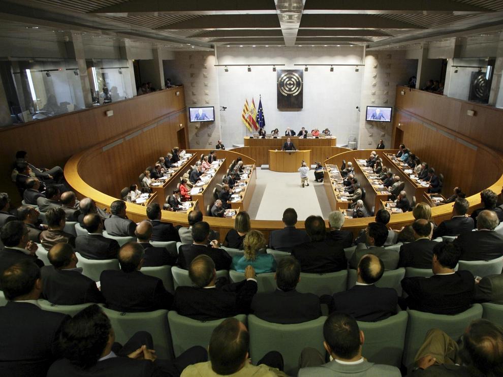 Pleno de las Cortes de Aragón, durante el debate