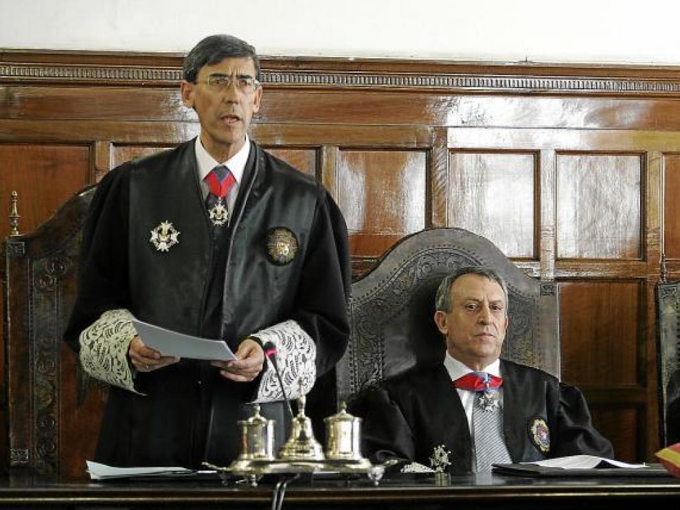 El fiscal jefe de Aragón, José Mª Rivera (izquierda), junto al fiscal jefe de Zaragoza, Alejandro Fernández.