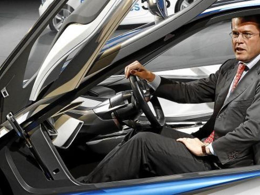 El ministro de Economía alemán, Karl-Theodor zu Guttenberg, ayer en el Salón de Fráncfort.