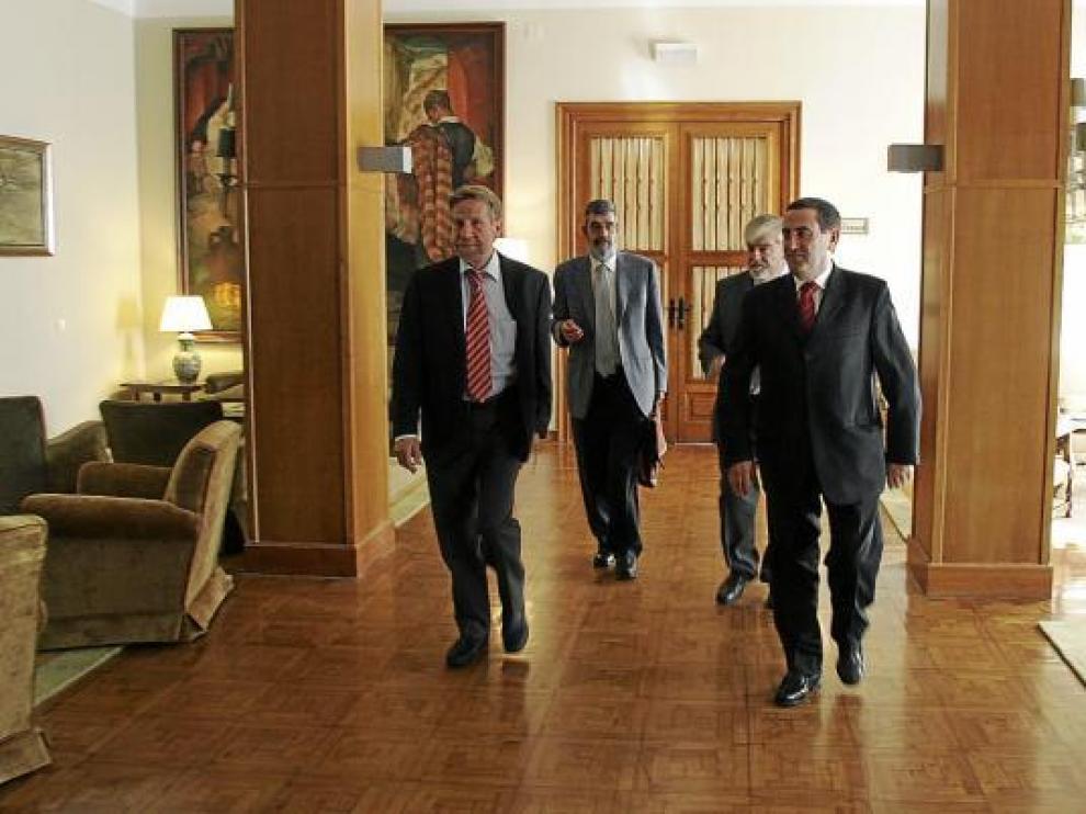 Alfonso Vicente, junto a otros miembros del consejo de administración de Platea.