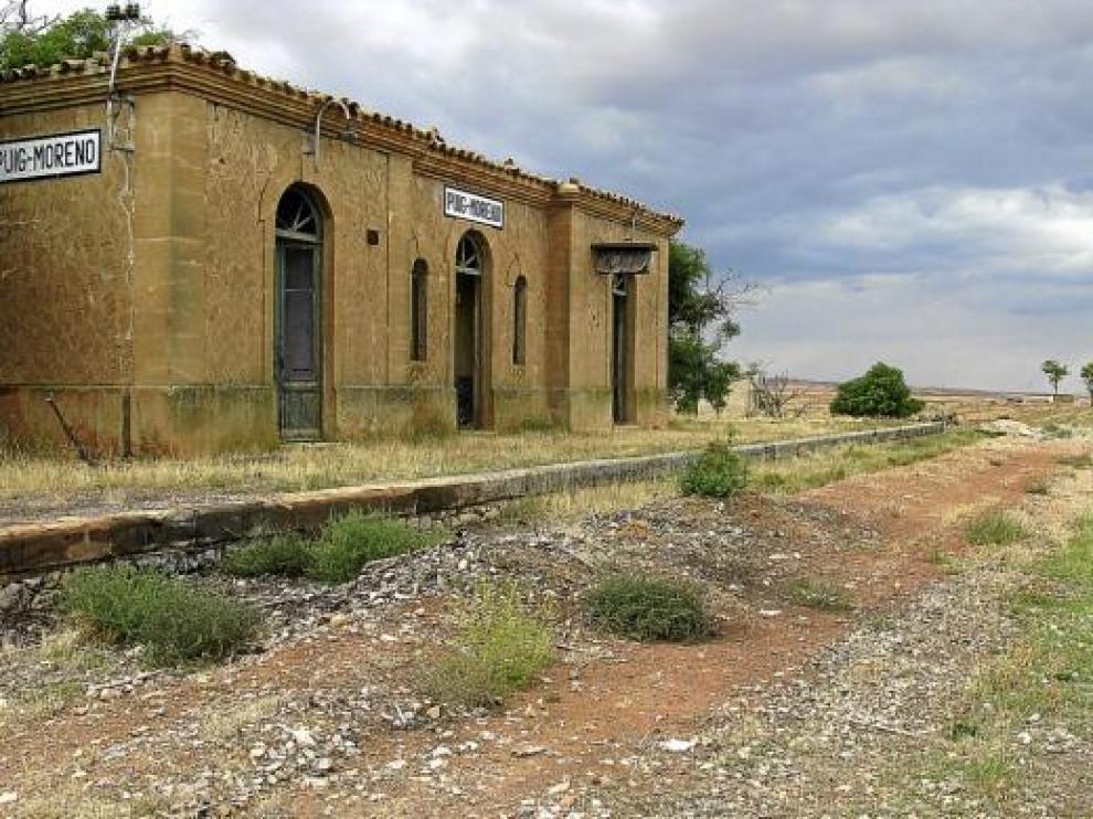 Estación de Puig Moreno, perteneciente al tramo Samper-Alcañiz de la antigua línea de Val de Zafán.