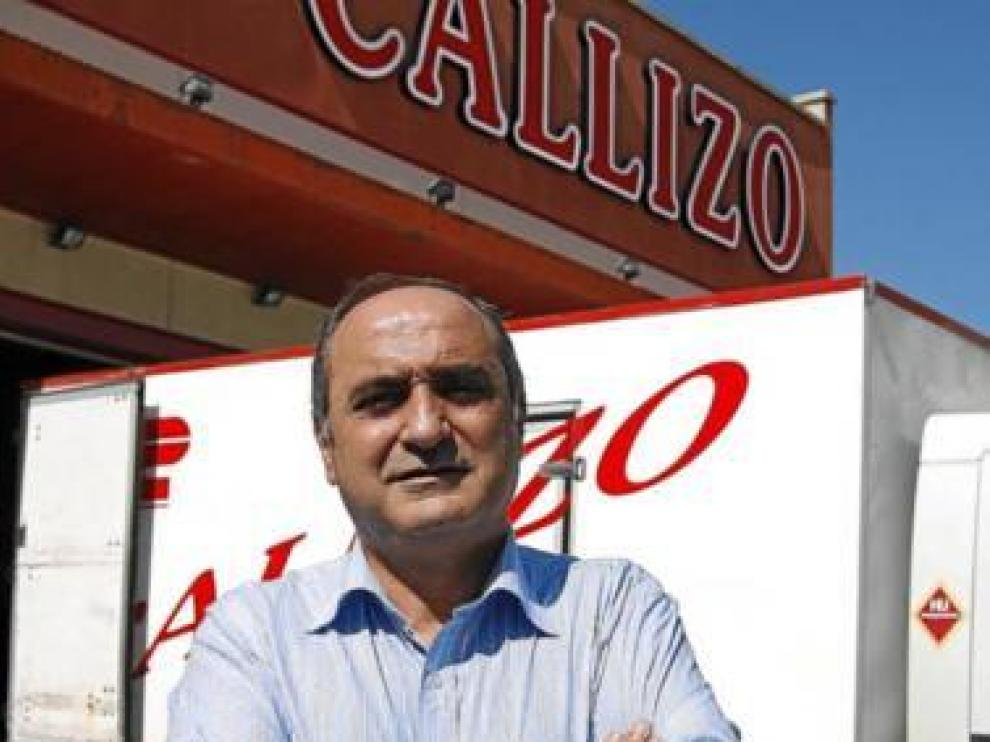 Fernando Callizo, en su empresa de transportes de Huesca.