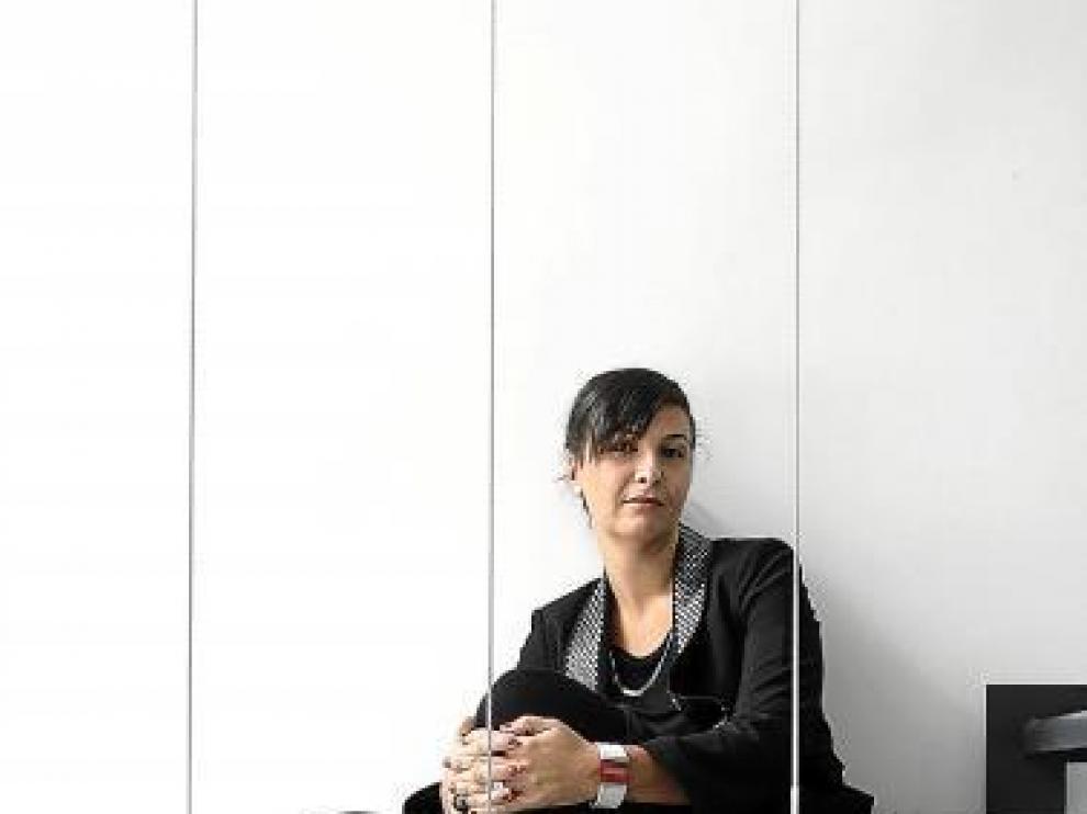 Ruth de Rioja, en su estudio, Entre3.Arquitectos.