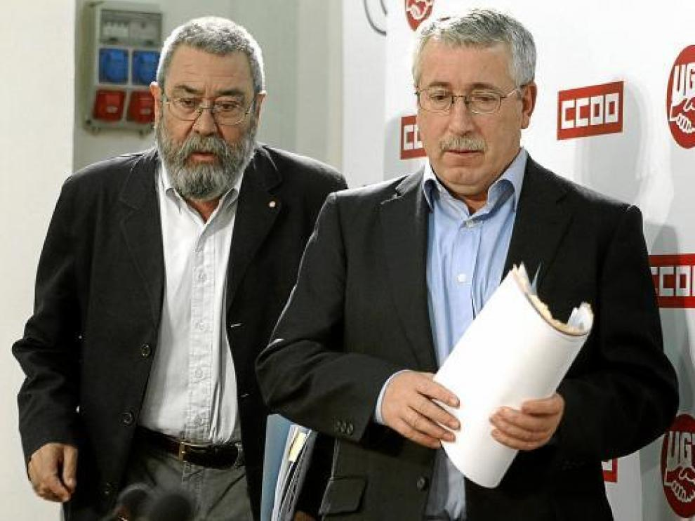 Méndez y Toxo, antes de presentar el manifiesto de la II Jornada Mundial por el Trabajo Decente.